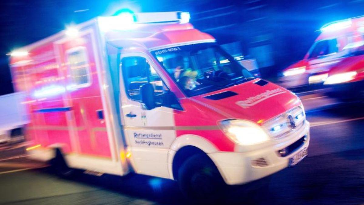 Siebenjähriger stürzt von einem Tisch und stirbt