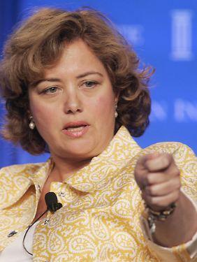 Hilary Rosen bei einer Podiumsdiskussion 2005.