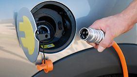 Tanken aus der Steckdose soll, nach dem Willen der Bundesregierung, keine Ausnahme mehr bleiben.