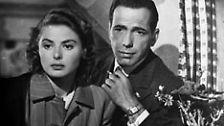 Ist es die Liebesgeschichte zwischen dem zynischen Barbesitzer Rick (Humphrey Bogart) und Ilsa Lund (Ingrid Bergman), die mit ihrem Mann vor den Nazis flieht und die Hilfe ihres früheren Geliebten benötigt?