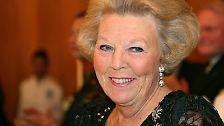 Seit April 1980 ist Königin Beatrix im Amt, ...