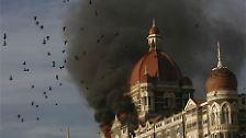 Alles begann am Mittwochabend (Ortszeit) in Colaba, einem Viertel im Zentrum von Bombay. Insgesamt ist von 16 bis 25 Terroristen die Rede.
