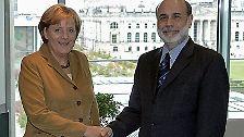 Dienstag, 11. September 2007: Bundeskanzlerin Angela Merkel begrüßt US-Notenbankchef Ben Bernanke in Berlin. Eine Woche später, am ...