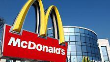Mit Abstand der größte Arbeitgeber unter den US-Firmen in Deutschland ist der Fast-Food-Riese McDonald's. (Quelle: Amerikanische Handelskammer Deutschland, Stand September 2008)