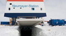 Die Kosten für den High-Tech-Bau belaufen sich auf insgesamt 39 Millionen Euro. Den wissenschaftlichen Wert sieht das Alfred-Wegener-Institut für Polar- und Meeresforschung in ihren Langzeitmessungen.