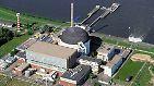 Beginn des Atomausstiegs: Am 14.11.2003 geht in Stade an der Elbe erstmals in Deutschland ein Atomkraftwerk vom Netz. Der Abbruch des Meilers hat bereits begonnen und soll 2015 abgeschlossen sein.