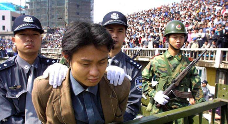 """Die Menschenrechte: """"Ein Mensch ist eingekerkert, gefoltert, hingerichtet ..."""""""