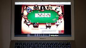 Die Oberfläche eines Online-Pokerspiels.