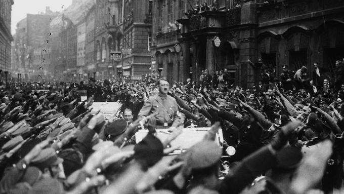 Hitler in  München, 9. November 1933.