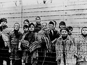 Das deutsche Konzentrationslager Auschwitz wurde am 27. Januar 1945 von sowjetischen Truppen befreit.