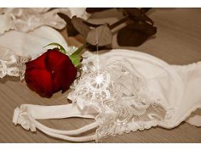 Störendes Beiwerk wie Rosen haben im Bett nichts zu suchen.