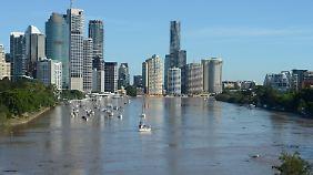 Der Brisbane River ist bis zum Überlaufen voll und bedroht die Millionenstadt.