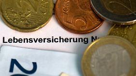 Die Deutschen besitzen über 90 Millionen Lebensversicherungsverträge.