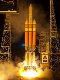 Isolierschaum gibt der Delta IV-Rakete eine rot-braune Färbung.