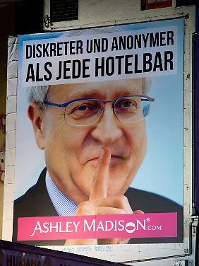 Die Seitensprung-Agentur Ashley Madison nutzte die Debatte um Brüderle umgehend für ein Werbeplakat.