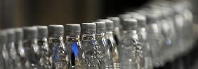Regierung will Mehrwegquote erhöhen: Einwegflaschen mit Warnhinweis