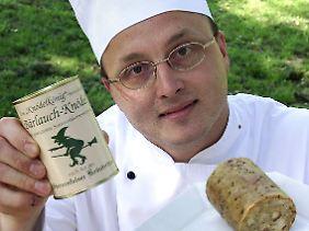 Der echte Kloß-Fan wendet sich mit Grausen: Küchenmeister Werner Fitterling aus Oberderdingen bei Karlsruhe erfand den Dosen-Knödel.