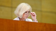 Johanna Wanka promovierte 1980 im Fach Mathematik.