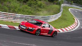 Die letzten Probefahrten des R8 e-tron auf dem Nürburgring.