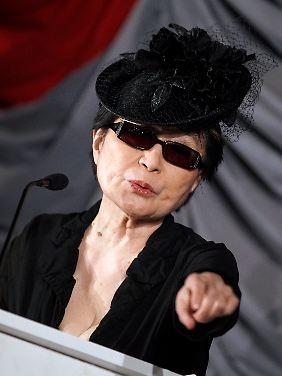"""Yoko Ono eröffnete in Frankfurt die Ausstellung """"Yoko Ono. Half-A-Wind Show. Eine Retrospektive"""". (Archivbild von März 2012)."""