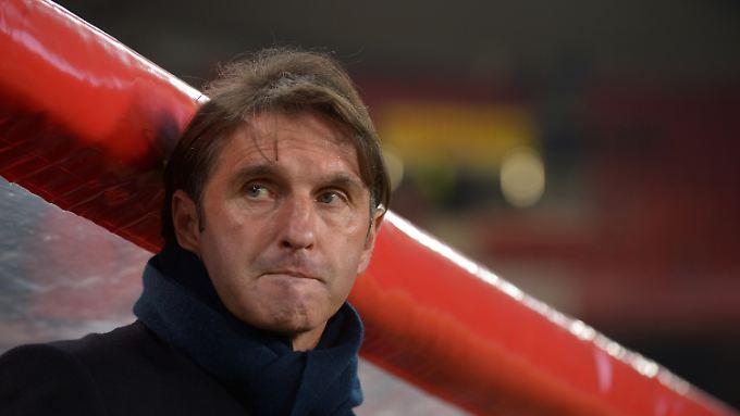 Erst Pech und dann kein Glück: Stuttgarts Trainer Bruno Labbadia.