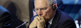 Finanzminister Schäuble sagt gemeinsam mit seinen Kollegen aus Großbritannien und Frankreich den Steuerschlupflöchern den Kampf an.