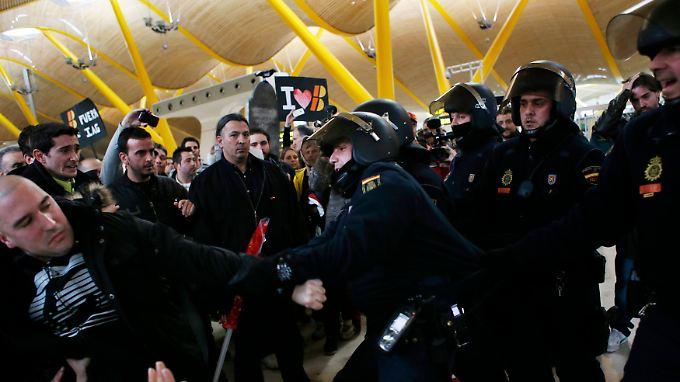 Verhaftungen in Madrid: Iberia-Streik von Gewalt überschattet