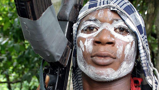 Nigerias Erdölreichtum ruft auch immer wieder Rebellen auf den Plan.