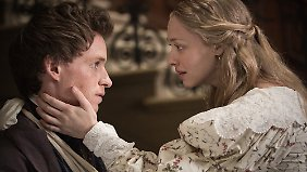 Liebe in Zeiten der Revolution: Cosette (Seyfried) und Marius (Redmayne).