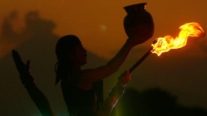 Tänzer der Autonomen Universität von Puebla bei einem prähispanischen Ritual. (Archivbild)