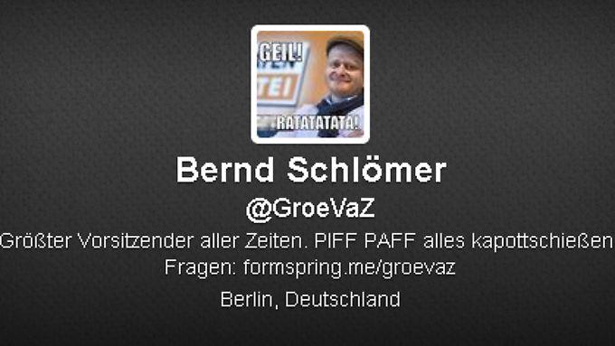 Parteispitzen und Journalisten folgen dem Spaß-Account auf Twitter.