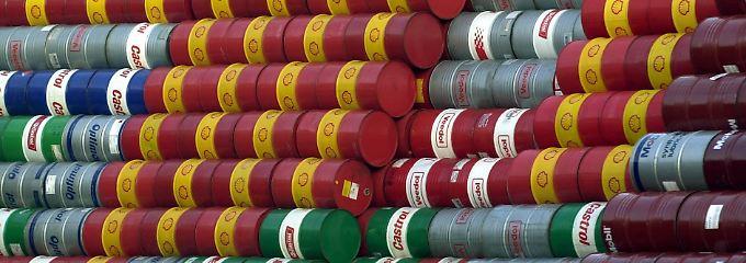 Preissturz beim Öl: Wer bringt hier die Fässer ins Trudeln?