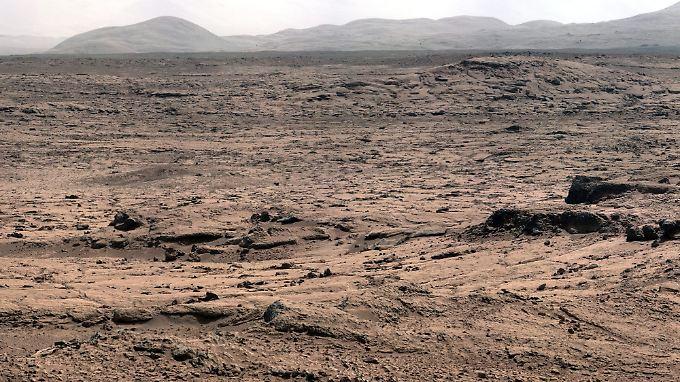 Die Mars-Oberfläche aus Sicht des Nasa-Rovers Curiosity.