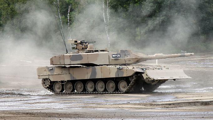Leopard-2-Panzer: In der Golfregion sind Rüstungsgüter aus Deutschland sehr beliebt.
