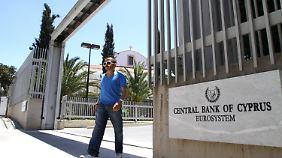 Krisengebeuteltes Urlaubsparadies: Zyperns Banken stehen vor dem Bankrott