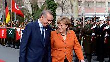 Prächtige Stimmung bei Erdogan und Merkel.