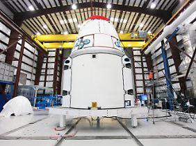 Daumen hoch für alle vier Antriebseinheiten: Nasa, ISS-Besatzung und SpaceX atmen erleichtert auf.