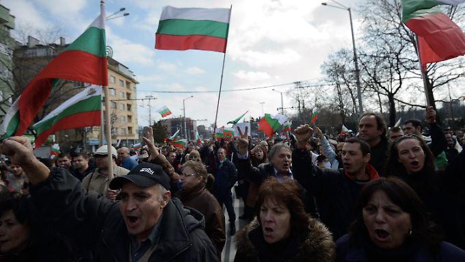 In Sofia protestierten die Menschen auf mehreren Kundgebungen.