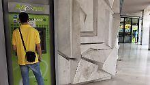 Mehr Geld auf einheimischen Konten: Griechen fassen Vertrauen