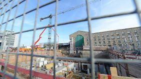 Blick auf die Baustelle des Bahnprojekts.