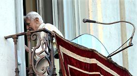 Offiziell zeigte sich Benedikt zuletzt am 28. Oktober auf dem Balkon der päpstlichen Sommerresidenz.