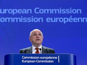 Keine Gnade: EU-Wettbewerbskommissar Joaquin Almunia redet Microsoft in einer Sprache an, die in Redmond jeder versteht.