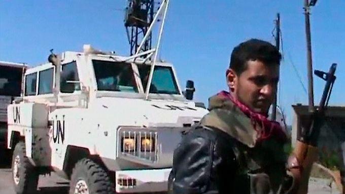 In einem Video bekannten sich die Rebellen zu der Entführung.