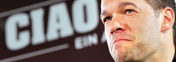 """""""Bastian Schweinsteiger, Andrej Schewtschenko und José Mourinho haben schon zugesagt"""": Michael Ballack."""
