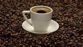 Abgebrühte Verkäuferin: Dieb mit heißem Kaffee verscheucht