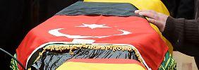 """""""Millionen türkische Bürger leiden mit uns"""": Hunderte trauern um Brandopfer"""
