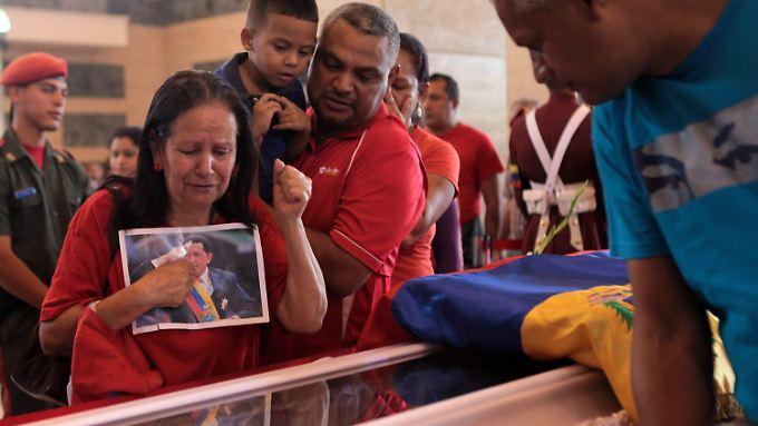 Noch ist Chávez in der Militärakademie aufgebahrt.