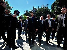 Die Welt schaut auf Nikosia: Präsident Nicos Anastasiades auf dem Weg ins Parlament.