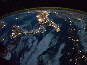 Lichtverschmutzung in Italien: Nur wenige Sterne leuchten so hell, dass man sie von Rom oder Neapel aus erkennen könnte.