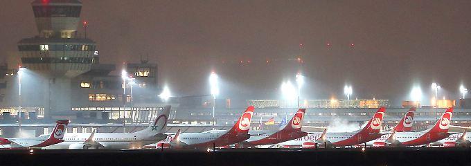 Air-Berlin-Maschinen am Flughafen Berlin-Tegel.